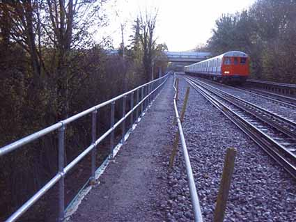 Barriers_for_the_rail_infrastructure.jpg