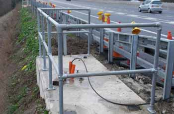 Kee Klamp barriers on the M25