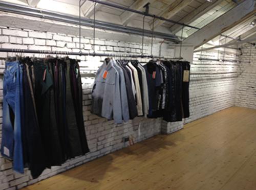 Clothes_Racks_2a.jpg
