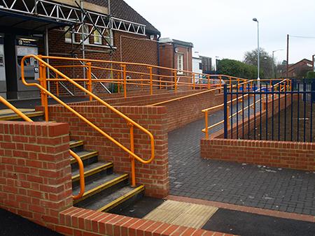 DDA_Handrail_for_stations.JPG