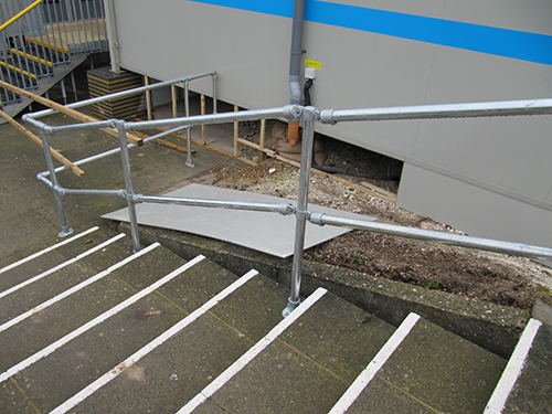 Kee_Klamp_Handrail.jpg