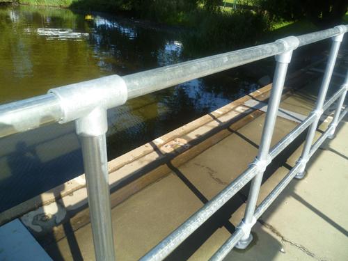 Kee_Klamp_Handrails_York.jpg