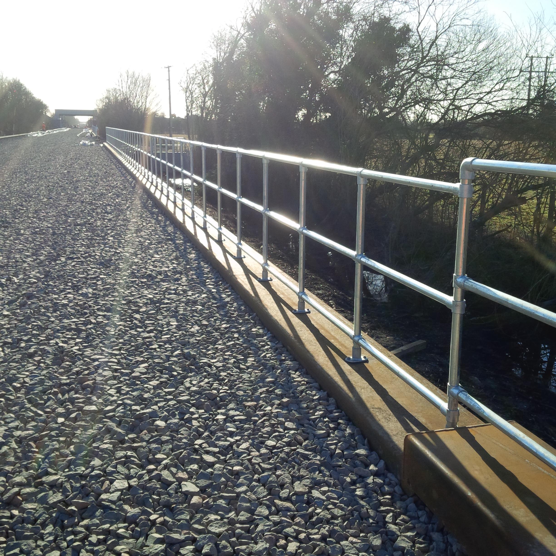 Kee_Klamp_handrails_east_west_railway_project.jpg