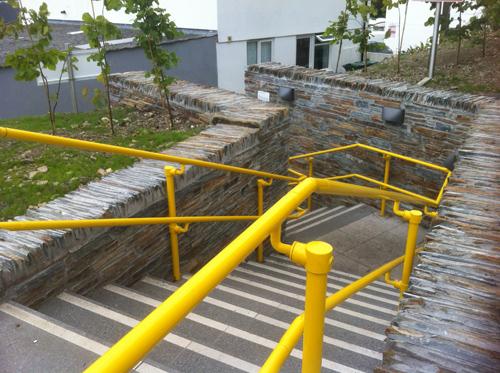 Smooth_handrails_for_DDA_compliance.jpg